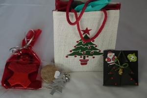 Weihnachtsgeschenke der Lodge mit viel Liebe ausgewählt.